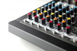Mixer Analogic Allen & Heath ZEDi 10, 10 canale cu interfata USB4