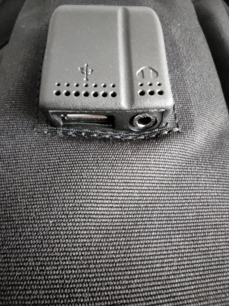 Ghiozdan tip Rucsac Profesional pentru Laptop cu Mufa Smart USB si AUX cu Mufa Jack- 7 Compartimente - Negru 6