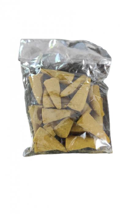 Set 20 Conuri pentru Gradina Parfumate cu Citronella Impotriva Tantarilor si Insectelor, cu Suport pentru Ardere 1