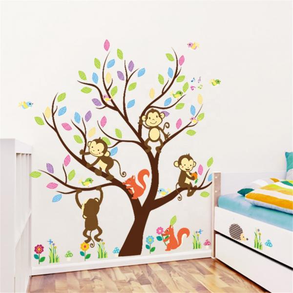 Sticker Decorativ Autocolant Autoadeziv Copac cu Maimute, Veverite, Arici si Pasari pentru Camera Copilului 3