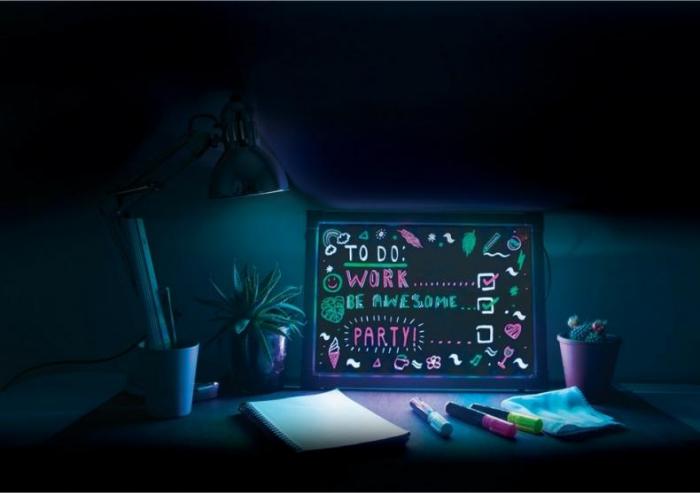Lampa Rama cu Lumina LED Neon pentru Mesaje Fluorescente, 23 x 23cm si 3 Carioci Incluse 3
