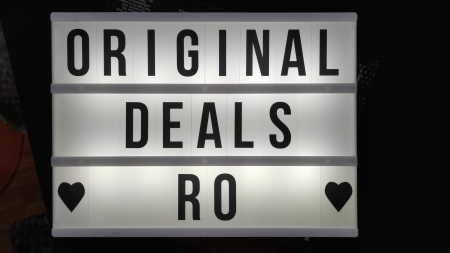 Caseta Luminoasa cu 100 de Litere, Cifre si Caractere Speciale, Personalizabila, cu 3 Baterii AA si Lumina Full LED, Premium, Original Deals [0]