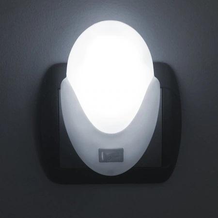 Lampa LED cu Lumina de Veghe Pentru Priza, Intrerupator si Buton On/Off, Lumina Alba, Consum Redus 2W, Universal, Alb0