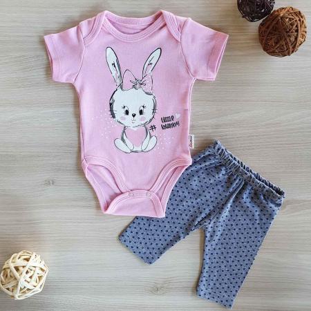 Compleu body bebelusi maneca scurta si pantaloni 3 sferturi iepuras bumbac 0-12 luni0