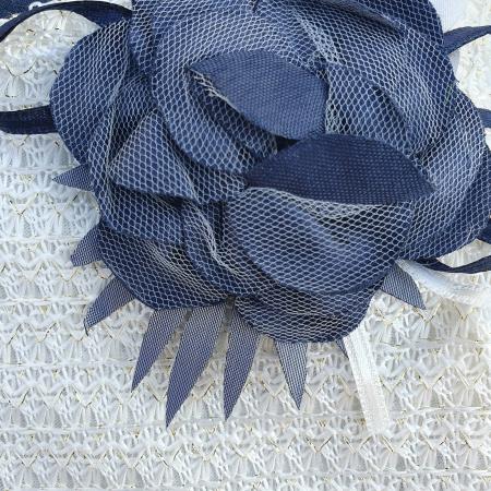 Rochita cu bolero alb si brosa trandafir1