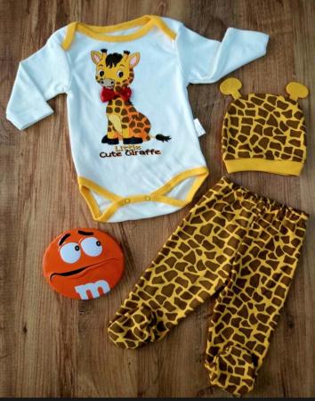 Set bebelusi body, pantaloni si caciulita girafa bumbac 0-6 luni