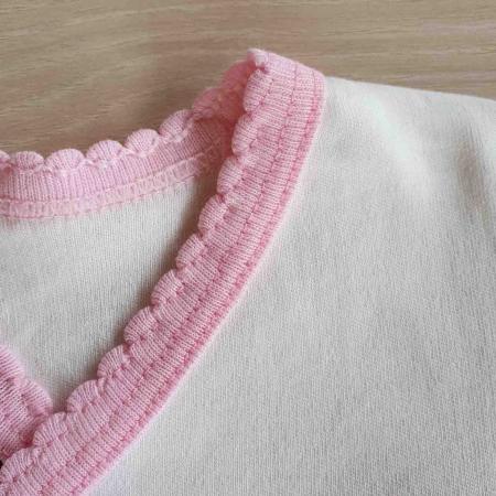 Set nou nascut 5 piese bluzita, caciulita, manusi si bavetica panda alb cu roz bumbac [1]