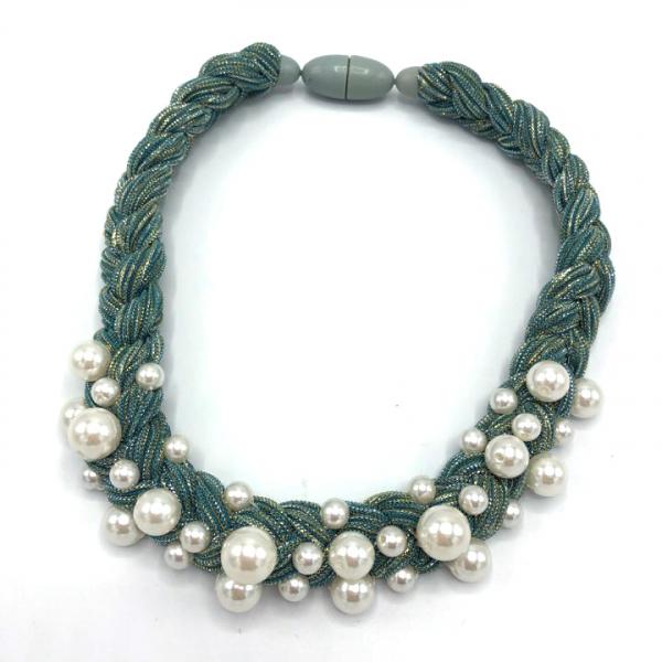 Colier dama cu perle sintetice la baza gatului textil 0