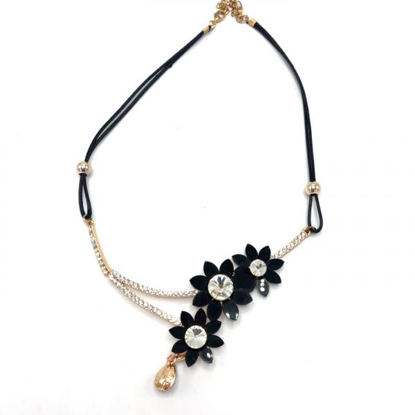 Colier dama cu snur textil si flori negre 0