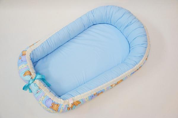 Baby nest 0-6 luni cu ursuleți pe bleu+protecție [1]