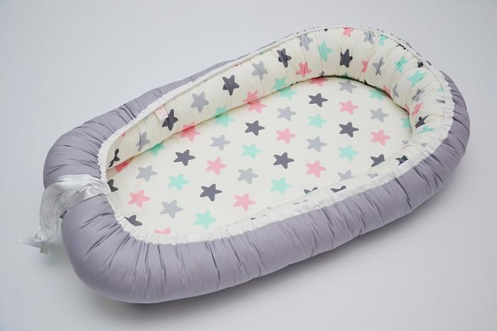 Baby Nest 0-6 luni cu stele multicolore și gri+protecție 0