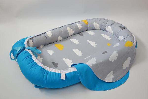 Baby Nest 0-6 luni cu turcoaz şi norişori + protecţie [0]