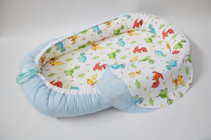 Baby Nest 0-6 luni, model cu dinozauri și bleu 0