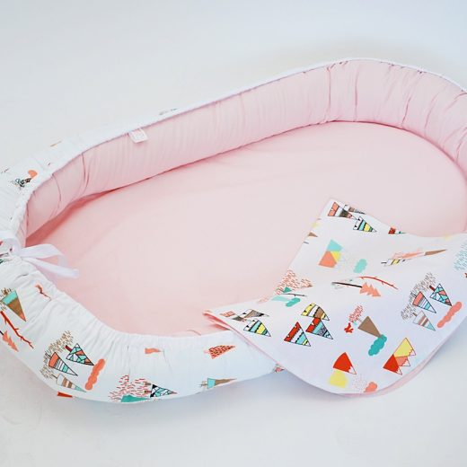 Baby Nest 0-6 luni, model cu munți și roz 1