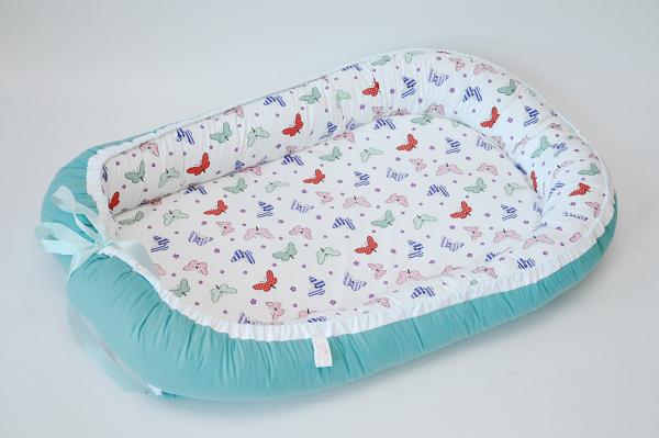Baby Nest 0-6 luni, model verde turcoaz si fluturi 0