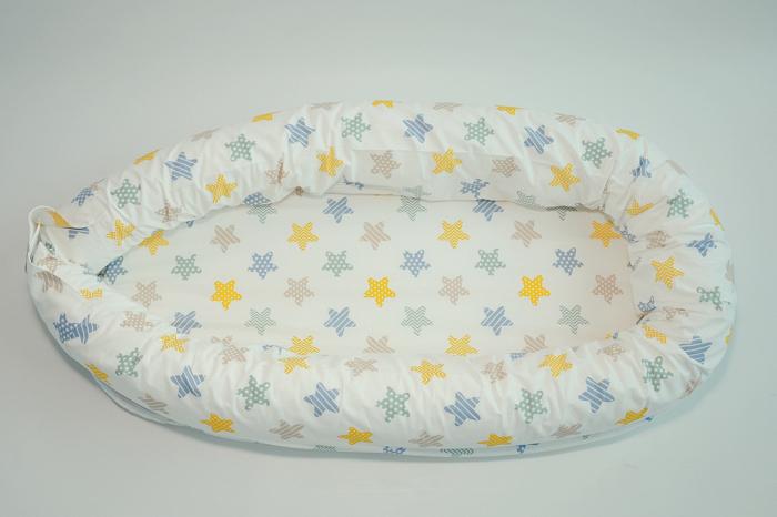 Baby nest 0-8 luni 3 in 1: culcuș, protecție pătuț și saltea, model cu stelute galbene, gri și cappucino [0]