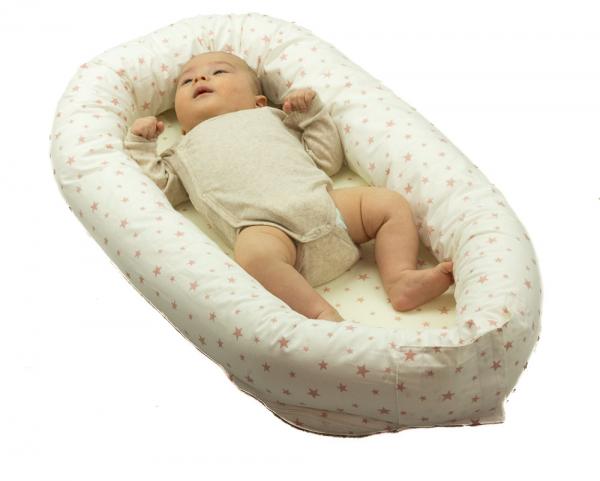 Baby nest 0-8 luni 3 in 1: culcus, protecție pătuț și saltea. Alb cu stele somon 1