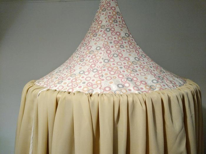 Baldachin de tavan crem cu caciula cu cercuri diametru 75 cm 1