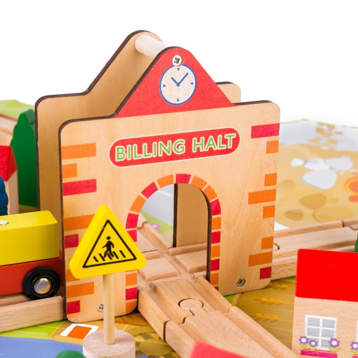 Circuit din lemn tren locomotiva, masini si plansa Oras 1
