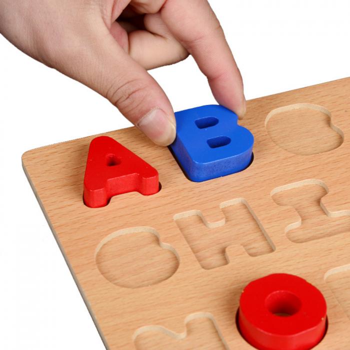 Puzzle din lemn cu litere de tipar - Alfabet 1