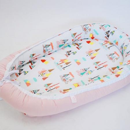 Baby Nest 0-6 luni, model cu munți și roz0