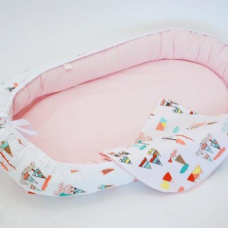 Baby Nest 0-6 luni, model cu munți și roz1