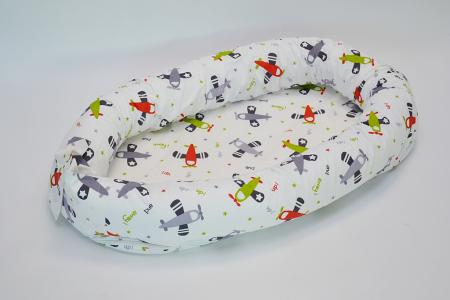 Baby nest 0-8 luni 3 in 1: culcuș, protecție pătuț și saltea, model cu avioane verzi [0]