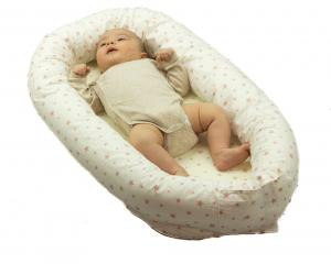 Baby nest 0-8 luni 3 in 1: culcus, protecție pătuț și saltea. Alb cu stele somon1