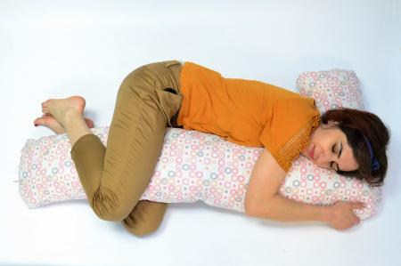 Pernă sarcină, alăptare și relaxare Lala, cu buline roz, gri, bej [0]