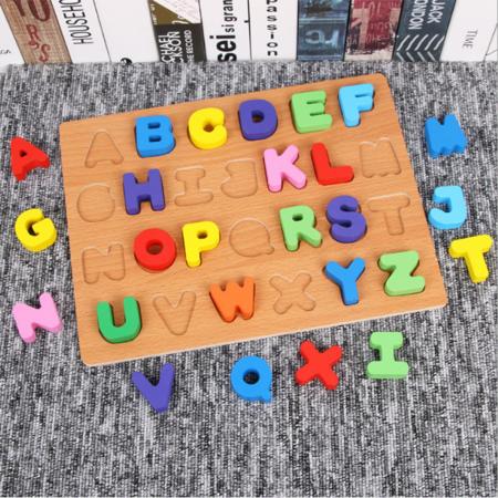 Puzzle din lemn cu litere de tipar - Alfabet4