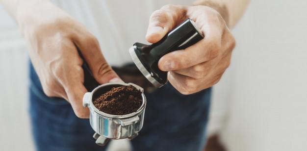 De ce cafeaua lungă are mai multă cofeină decât un espresso