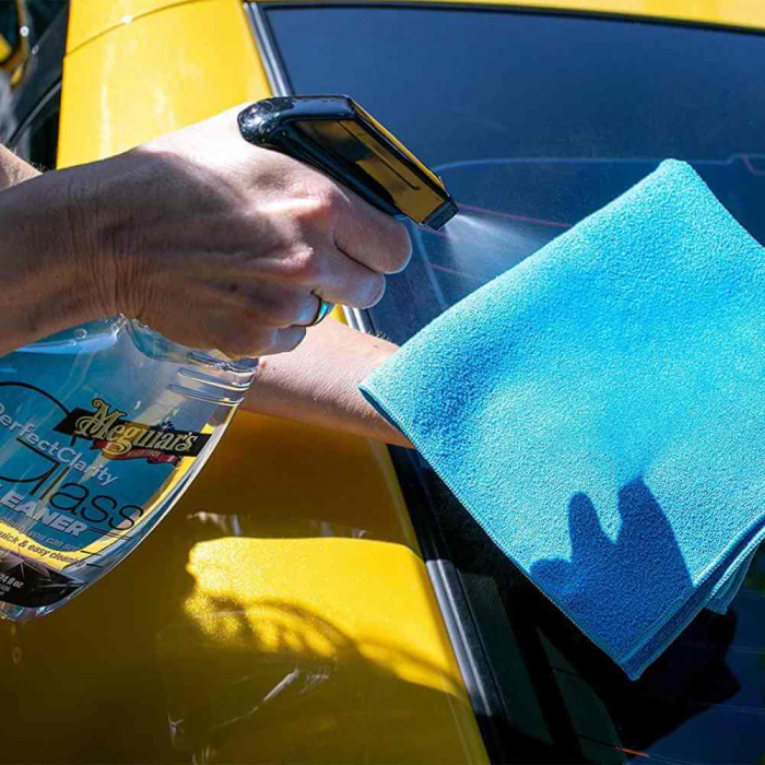 G8224_Meguiars_Perfect_Clarity_Glass_Cleaner_Solutie_curatare_geamuri_709ml [1]