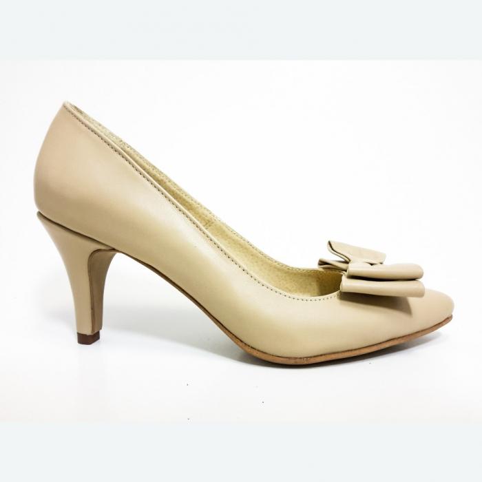 Pantofi din piele naturala nude cu varf ascutit 0