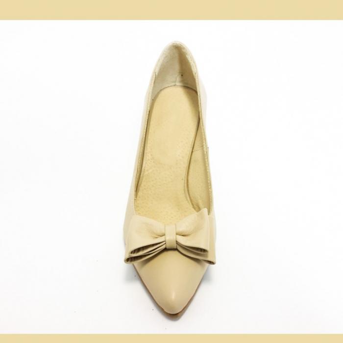 Pantofi din piele naturala nude cu varf ascutit 2