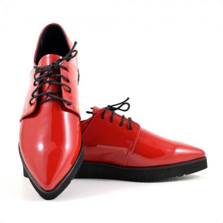 Pantofi cu siret din piele lacuita rosie Amarella1