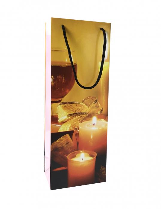 Punga de cadou din hartie pentru sticla cu model cu lumanari de Craciun 4