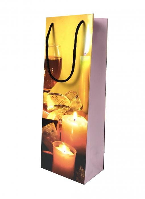 Punga de cadou din hartie pentru sticla cu model cu lumanari de Craciun 0