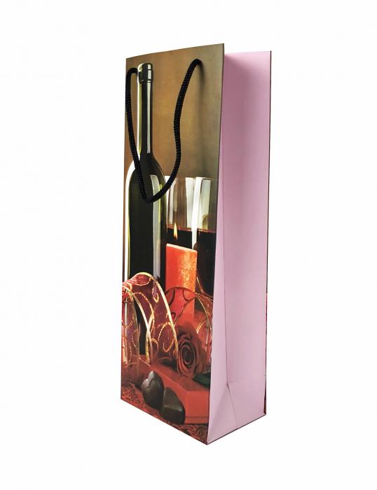Punga de cadou din hartie pentru sticla cu model lumanari si ciocolata 0