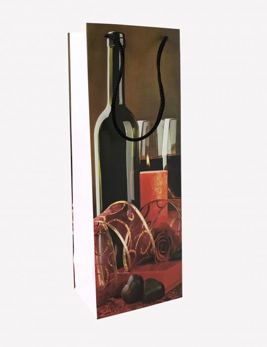 Punga de cadou din hartie pentru sticla cu model lumanari si ciocolata 3