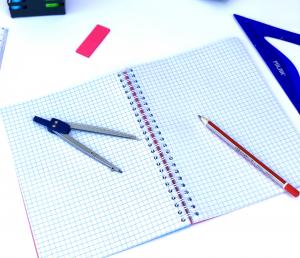 Set 4 bucati Caiet Matematica A4 cu spira dubla, 100 file, coperta carton3