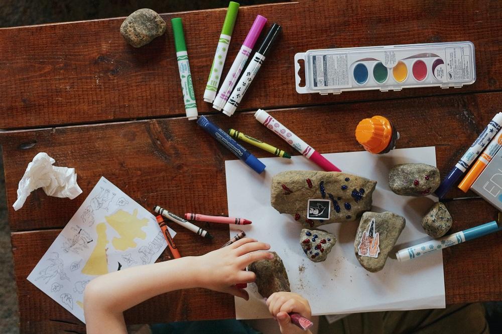 Top 16 activitati de facut in casa cu cei mici si nu numai