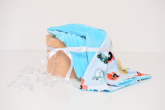 Paturica  model masinute si minky bleu cu dungi 0