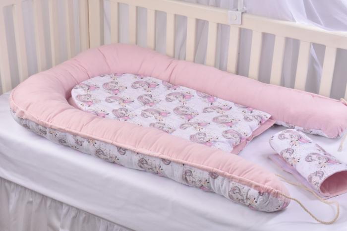Set 3 piese babynest, paturica si pernuta model unicorni si roz [9]