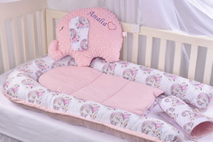 Set 3 piese babynest, paturica si pernuta model unicorni si roz [11]