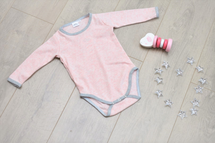Body fetite roz cu margini gri 0