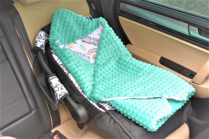 Paturica scaun auto model trenulete paturica fermecata 3