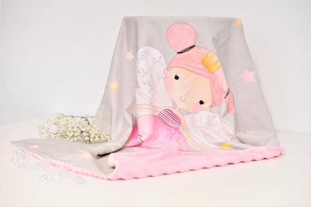 Paturica model zana gri si plus minky roz pudra cu dungi