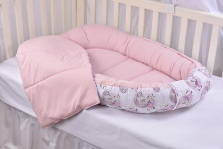 Set 3 piese babynest, paturica si pernuta model unicorni si roz [8]