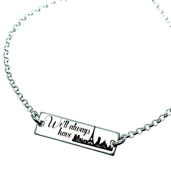 Bratara de dama din argint este alcatuita dintr-o placuta, ce poate fi personalizata cu textul sau orasul din model sau orice alt simbol sau text doriti, si un cristal swarovski atasat la extensie. 1
