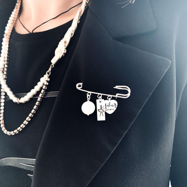 Brosa personalizata cu pandantive argint si perle Swarovski Ballerina 0